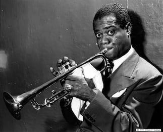 Louis Armstrong, il trombettista che portò il jazz in tutto in mondo
