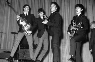 The Beatles rehearse for that night's Royal Variety Performance at the Prince of Wales Theatre, 4th November 1963. The Queen Mother will attend. (Photo by Central Press/Hulton Archive/Getty Images)