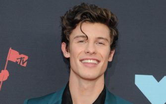 epa07796348 Canadian singer Shawn Mendes arrives on the red carpet for the 2019 MTV Video Music Awards at Radio City Music Hall in New York, New York, USA, 26 August 2019.  EPA/DJ JOHNSON