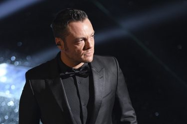 SANREMO, ITALY - FEBRUARY 07:  Tiziano Ferro attends the opening night of the 67th Sanremo Festival 2017 at Teatro Ariston on February 7, 2017 in Sanremo, Italy.  (Photo by Venturelli/Getty Images)