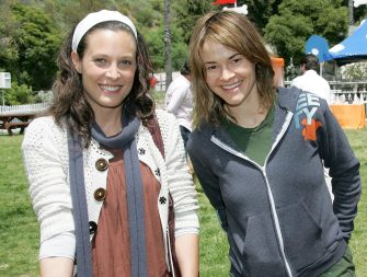 BEVERLY HILLS, CA - APRIL 29:  Actresses Leisha Hailey (R) and Erin Daniels attend Old Navy's kick off event in it's nationwide search for a new canine mascot at Franklin Canyon Park on April 29, 2006 in Beverly Hills, California. (Photo by David Livingston/Getty Images)