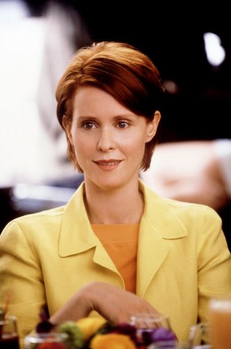 "382260 06: Actress Cynthia Nixon Stars In The Comedy Series ""Sex And The City"" Now In Its Third Season.  (Photo By Getty Images)"