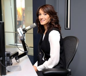 NEW YORK, NY - FEBRUARY 28:  Jennifer Beals visits at SiriusXM Studios on February 28, 2017 in New York City.  (Photo by Robin Marchant/Getty Images)