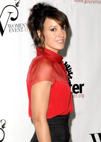NEW YORK - NOVEMBER 01:  Actress Jennifer Beals attends the Lesbian, Gay, Bisexual & Transgender (LGBT) Community Center 25th Anniversary and 11th Annual Women's Event at Pier 60 at Chelsea Piers on November 1, 2008 in New York City.  (Photo by Joe Corrigan/Getty Images)