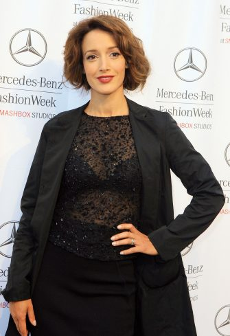 CULVER CITY, CA - OCTOBER 15:  Actress Jennifer Beals attends Mercedes Benz Fashion Week held at Smashbox Studios on October 15, 2007 in Culver City, California.  (Photo by Katy Winn/Getty Images for IMG)