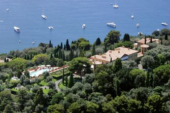(FILES) This photo taken on August 29, 2008 in Villefranche-sur-Mer, south-eastern France, shows the villa of Leopolda, property of the widow of businessman Edmond Safra, Lilly Safra. Russian millionaire Mikhail Prokhorov, who wishes to give up the purchase of the villa for a record price of 390 million euros (500 million dollars), is in conflict with its owner to recover the 39 million euros (50 million dollars) down payment which he paid, according to sources on February 24, 2009. Technology tycoon Prokhorov is Russia's richest man with a fortune of 14.10 billion dollars (11.0 billion euros). AFP PHOTO/ERIC ESTRADE (Photo credit should read ERIC ESTRADE/AFP via Getty Images)