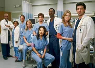 Grey's Anatomy, il cast celebra 15 anni di messa in onda. FOTO