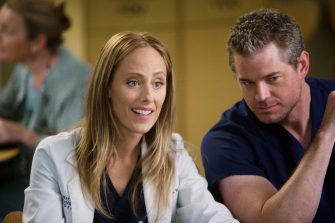 """GREY'S ANATOMY - """"New History""""- When Owen recruits his fellow Iraqi War vet, Dr. Teddy Altman, as the new cardiothoracic surgeon, Cristina questions Teddy's abilities in the OR and the nature of their past relationship. Meanwhile Izzie returns to Seattle Grace with her high school mentor seeking treatment for his dementia, and the stress of Richard's responsibilities, post-merger, are taking their toll, on """"Grey's Anatomy,"""" THURSDAY, NOVEMBER 12 (9:00-10:01 p.m., ET) on the ABC Television Network. (ABC/RANDY HOLMES) KIM RAVER, ERIC DANE"""