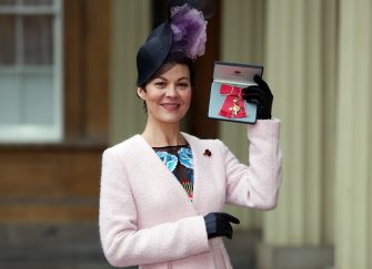 LONDON, ENGLAND - NOVEMBER 7: Actor Helen McCrory poses after she was awarded an OBE by Queen Elizabeth II at an Investiture ceremony at Buckingham Palace, on November 7, 2017 in London, England. (Photo by Steve Parsons - WPA Pool/Getty Images)