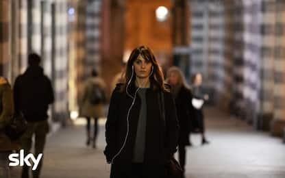 """Paola Cortellesi è """"Petra"""", le prime immagini della serie Sky Original"""