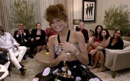 Emmy Awards 2020, i look delle star (da casa)