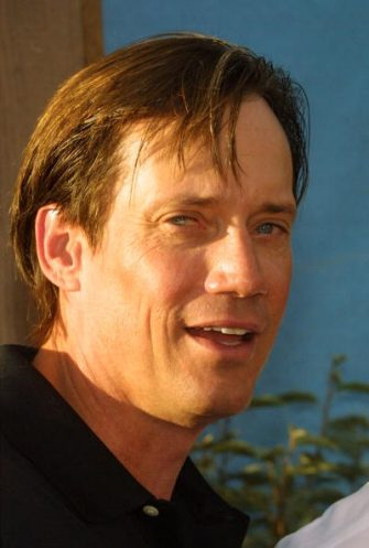 """HOLLYWOOD - AUGUST 11:  Actor Kevin Sorbo attends the world premiere of Touchstone Pictures' film """"Open Range"""" at the Cinerama Dome August 11, 2003 in Hollywood, California.  (Photo by Frederick M. Brown/Getty Images)"""