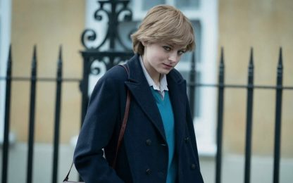 The Crown, Emma Corrin si trasforma in Lady Diana: VIDEO