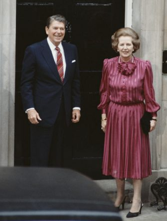 British Prime Minister Margaret Thatcher with US President Ronald Reagan (1911 - 2004) on the steps of 10 Downing Street, the day after the official start of the G7 Seven-Nation Economic Summit in London, 5th June 1984.  (Photo by Bryn Colton/Getty Images)