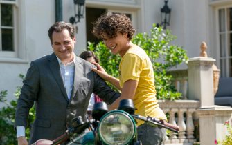 """(L-R): Michael Stuhlbarg as Tommy Baxter and Benjamin Hassan Wadsworth as Rocco Baxter in YOUR HONOR, """"Part One"""". Photo Credit: Skip Bolen/SHOWTIME."""