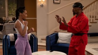 DAD STOP EMBARRASSING ME (L to R) KYLA-DREW as SASHA and JAMIE FOXX as BRIAN in episode 105 of DAD STOP EMBARRASSING ME Cr. SAEED ADYANI/NETFLIX © 2020