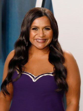 BEVERLY HILLS, CALIFORNIA - FEBRUARY  09:  Mindy Kaling attends the Vanity Fair Oscar Party at Wallis Annenberg Center for the Performing Arts on February 09, 2020 in Beverly Hills, California. (Photo by Taylor Hill/FilmMagic,)