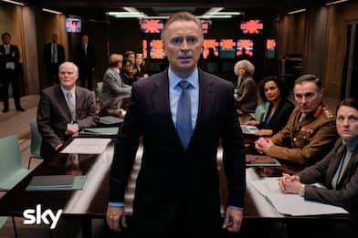 Cobra Cyberwar, tempi duri per il premier inglese Robert Carlyle