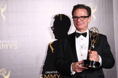 Addio a Peter Scolari, morto l'attore premiato con l'Emmy per Girls
