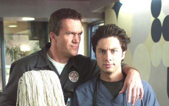 "NEIL FLYNN & ZACH BRAFF as Janitor & Dr. John ""J.D."" Dorian in Scrubs ""My Case Study""  Filmstill - Editorial Use Only Ref: FB sales@capitalpictures.com www.capitalpictures.com Supplied by Capital Pictures"