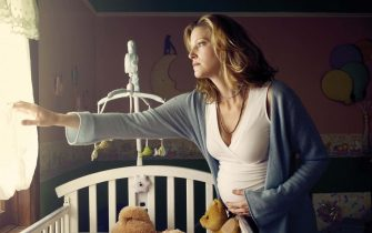 "Anna Gunn in Season 2 of ""Breaking Bad."" (2009) Photo by: AMC"
