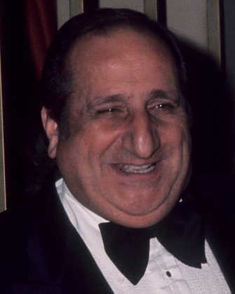 BEVERLY HILLS, CA - JANUARY 29:   Actor Al Molinaro and guest attend the 34th Annual Golden Globe Awards on January 29, 1977 at the Beverly Hilton Hotel in Beverly Hills, California. (Photo by Ron Galella/Ron Galella Collection via Getty Images)