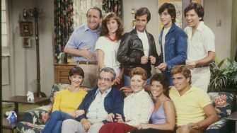 """HAPPY DAYS - """"Home Movies"""" which aired on October 6, 1981. (Photo by Walt Disney Television via Getty Images Photo Archives/Walt Disney Television via Getty Images) ANSON WILLIAMS;SCOTT BAIO;HENRY WINKLER;CATHY SILVERS;AL MOLINARO;TED MCGINLEY;ERIN MORAN;MARION ROSS;TOM BOSLEY;LYNDA GOODFRIEND"""