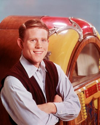 """UNITED STATES - JANUARY 15:  HAPPY DAYS - Gallery - Season One - 1/15/74, One of the most successful series of the 1970s was """"Happy Days"""", which was set in the late 1950s, early 1960s in Milwaukee. """"Happy Days"""" told the story of the Cunninghams, including son Richie (Ron Howard, pictured), his parents Marion and Howard, and siblings Joanie and Chuck. ,  (Photo by Bob D'Amico/Walt Disney Television via Getty Images)"""