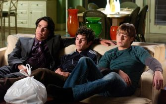 """PETER GALLAGHER, ADAM COHEN & BENJAMIN McKENZIE in The O.C. - The OC """"The Test"""" *Editorial Use Only* www.capitalpictures.com sales@capitalpictures.com Supplied by Capital Pictures"""