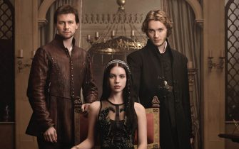 Reign -- Image Number: RE1_Gallery_ThreeShot_1393r.jpg -- Pictured (L-R): Torrance Coombs as Bash, Adelaide Kane as Mary, Queen of Scots, and Toby Regbo as Prince Francis -- Photo: Mathieu Young/The CW -- © 2013 The CW Network, LLC. All rights reserved.