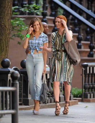 Actresses Sarah Jessica Parker and Cynthia Nixon are seen during production on Sex And The City 2 on the streets of Manhattan on September 4, 2009 in New York City. (Photo by James Devaney/WireImage)