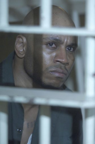 HOUSE:  LL Cool J guest stars as a death row inmate who is stricken with a mysterious disease on the season premiere episode of HOUSE airing Tuesday, September 13 (9:00-10:00 PM ET/PT) on FOX.  ª©2005 FOX BROADCASTING COMPANY.  Cr:  Jamie Trueblood/FOX.