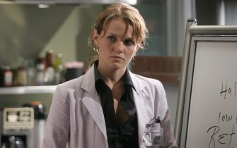 """HOUSE:  Dr. Cameron (Jennifer Morrison) and the team treat a cancer patient who is suffering from hallucinations in the HOUSE episode """"Autopsy"""" airing Tuesday, Sept. 20 (9:00-10:00 PM ET/PT) on FOX.  ª©2005 Fox Broadcasting Co.  Cr:  Dean Hendler/FOX."""