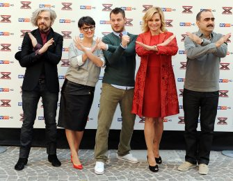 MILAN, ITALY - OCTOBER 18:  (L-R) Marco Castoldi, Rosalba Pippa, Alessandro Cattelan, Simona Ventura and Stefano Belisari attend X Factor Press Conference on October 18, 2011 in Milan, Italy.  (Photo by Stefania D'Alessandro/Getty Images)