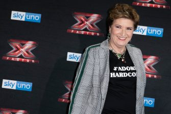 MILAN, ITALY - OCTOBER 22:  Mara Maionchi attends X Factor 2018 photocall at Teatro Linear Ciak on October 22, 2018 in Milan, Italy.  (Photo by Rosdiana Ciaravolo/Getty Images)