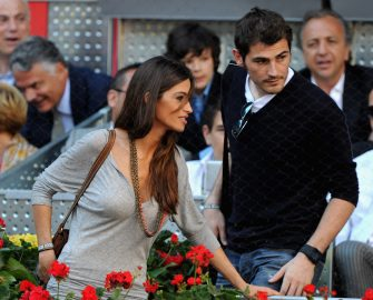 MADRID, SPAIN - MAY 08:  Sara Carbonero and Iker Casillas  during the final match of the Mutua Madrilena Madrid Open Tennis on May 8, 2011 in Madrid, Spain.  (Photo by Jasper Juinen/Getty Images)