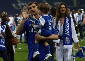 PORTO, PORTUGAL - MARY 6:  FC Porto goalkeeper Iker Casillas from Spain with wife Sara Carbonero and sons during FC Porto Championship celebrations at the end of the Primeira Liga match between FC Porto and CD Feirense at Estadio do Dragao on May 6, 2018 in Porto, Portugal.  (Photo by Gualter Fatia/Getty Images)