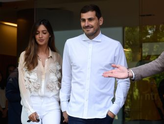 """TOPSHOT - Porto's Spanish goalkeeper Iker Casillas leaves a hospital with his wife Sara Carbonero in Porto on May 06, 2019 after recovering from a heart attack. - The 37-year-old, who has 167 Spain caps and played more than 500 games for Real Madrid, suffered what the Portuguese club called an """"acute myocardial infarction"""" during training on May 2. (Photo by Miguel RIOPA / AFP)        (Photo credit should read MIGUEL RIOPA/AFP via Getty Images)"""