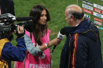 DURBAN, SOUTH AFRICA - JULY 07:  TV Presenter Sara Carbonero, girlfriend of Iker Casillas of Spain, interviews Vicente del Bosque head coach of Spain after victory in the 2010 FIFA World Cup South Africa Semi Final match between Germany and Spain at Durban Stadium on July 7, 2010 in Durban, South Africa.  (Photo by Steve Haag/Getty Images)
