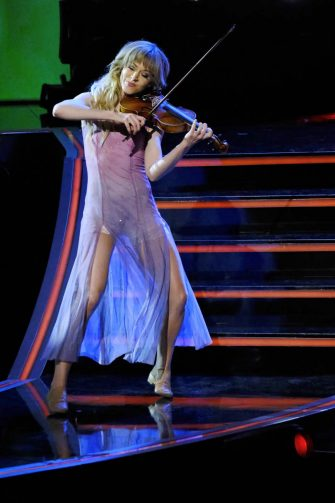 """AMERICA'S GOT TALENT: THE CHAMPIONS -- """"The Champions Finale Results"""" Episode 207 -- Pictured: Lindsey Stirling -- (Photo by: Trae Patton/NBC)"""