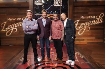 """MASTERCHEF: L-R: Chef/Judge Gordon Ramsay with guest judge Curtis Stone and judges Aarón Sánchez and Joe Bastianich in the """"Legends: Curtis Stone - Auditions Round 2"""" episode of MASTERCHEF airing Wednesday, June 9 (8:00-9:00 PM ET/PT) on FOX. © 2019 FOX MEDIA LLC. CR: FOX."""