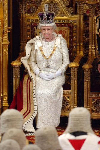 LONDON - NOVEMBER 15: (NO PUBLICATION IN UK MEDIA FOR 28 DAYS) Queen Elizabeth ll wears the Imperial State Crown at the State Opening of Parliament on November 15, 2006 in London, England. (Photo by Pool/Anwar Hussein Collection/Getty Images)