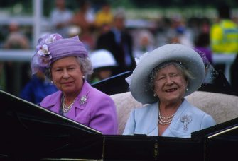 Queen Elizabeth The Queen Mother, Queen Elizabeth II, 1990. (Photo by John Shelley Collection/Avalon/Getty Images)