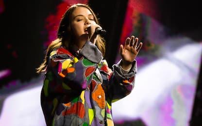 """Live di X Factor 2021, Vale LP canta (emozionatissima) la sua """"Chéri"""""""