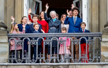 COPENHAGEN, DENMARK - APRIL 16: Queen Margrethe of Denmark, Crown Princess Mary of Denmark, Prince Christian of Denmark, Princess Isabella of Denmark, Prince Vincent of Denmark, Princess Josephine, Prince Joachim of Denmark, Princess Marie of Denmark, Prince Nikolai of Denmark, Prince Felix of Denmark, Prince Henrik of Denmark and Princess Athena of Denmark pose on the balcony of Amalienborg palace during the Danish Queen's 78th Birthday celebrations on April 16, 2018 in Copenhagen, Denmark.  (Photo by Patrick van Katwijk/Getty Images)
