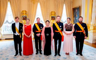 LUXEMBOURG, LUXEMBOURG - JUNE 23: (L-R) Prince Louis of Luxembourg, Hereditary Grand Duchess Stephanie of Luxembourg, Hereditary Grand Duke Guillaumeof Luxembourg, Grand Duchess Maria Teresa of Luxembourg, Grand Duke Henri of Luxembourg, Princess Alexandra of Luxembourg and Prince Sebastien of Luxembourg during the reception at the Grand Ducal Palace on the National Day on June 23, 2019 in Luxembourg, Luxembourg. (Photo by Patrick van Katwijk/Getty Images)
