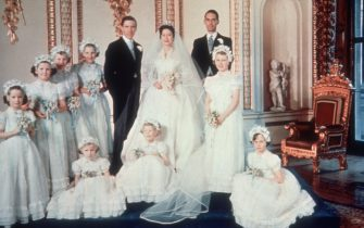 Princess Margaret and  her new husband Antony Armstrong Jones pose for a picture with their bridesmaids at Buckingham Palace, 6th May 1960. (Photo by Hulton Archive/Getty Images)