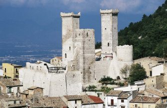 ITALY - CIRCA 2016: View of Pacentro and the towers of Caldora castle, Abruzzo, Italy. (Photo by DeAgostini/Getty Images)