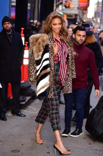 """NEW YORK, NY - NOVEMBER 29:  Tyra Banks leaves ABC's """"Good Morning America"""" in Times Square on November 29, 2018 in New York City.  (Photo by James Devaney/GC Images)"""