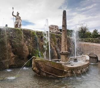 The Rometta fountain in the garden of the Villa d'Este in Tivoli. About 2000. (Photo by Imagno/Getty Images) .